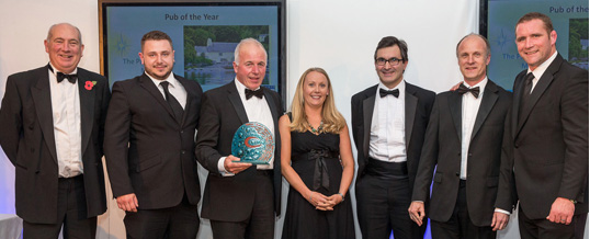 Pandora wins 'Pub of the Year' Gold at Cornwall Tourism Awards 2014/15